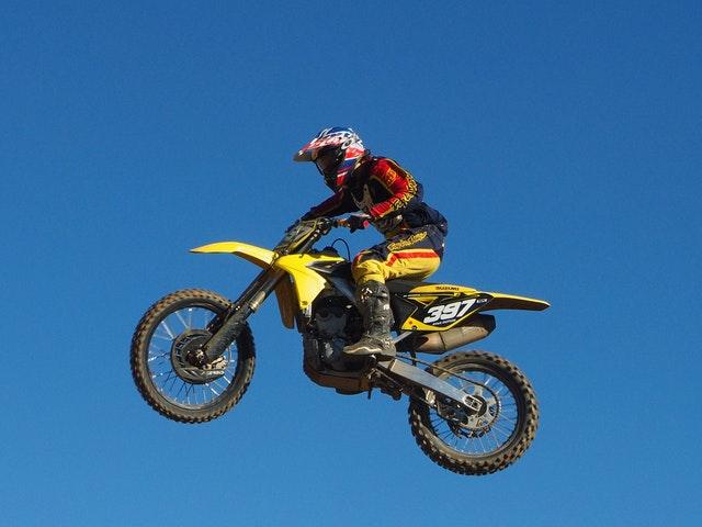 En motorcross i luften
